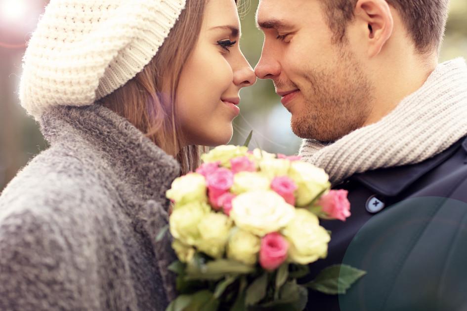 Какой цвет цветов дарят девушкам